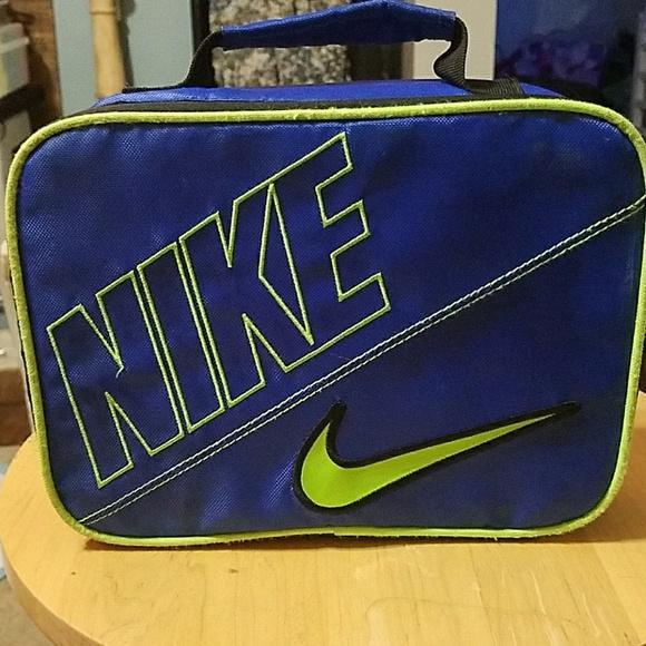 online store c3803 9c5a9 Nike Lunch Box. M 5b4b26a9de6f62b1aa3e091b